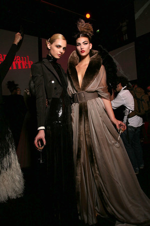 Показ Jean Paul Gaultier коллекции сезона Осень-зима 2011-2012 года Haute couture - www.elle.ru - Подиум - фото 278979