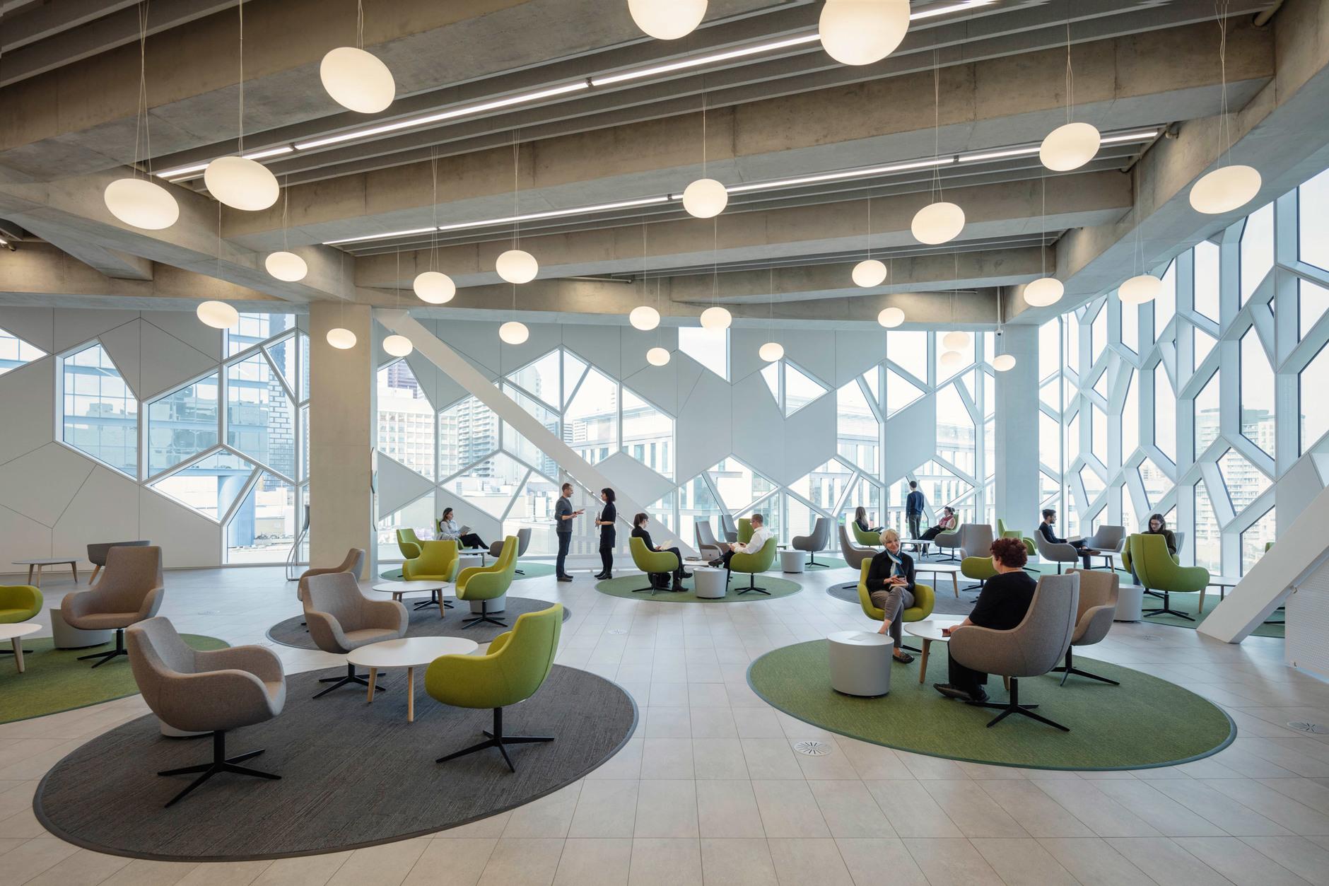 В Калгари открылась городская библиотека по проекту Snøhetta (галерея 10, фото 1)