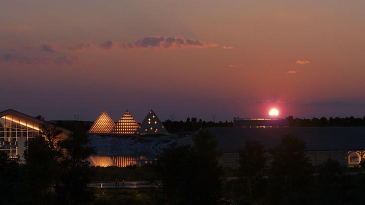 Вискарня в пирамидах по проекту Шигеру Бана (фото 0)