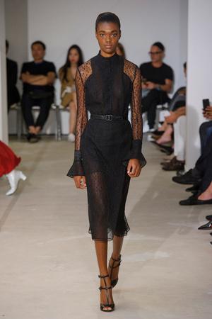 Показы мод Olivier Theyskens Весна-лето  2017 | Подиум на ELLE - Подиум - фото 4722