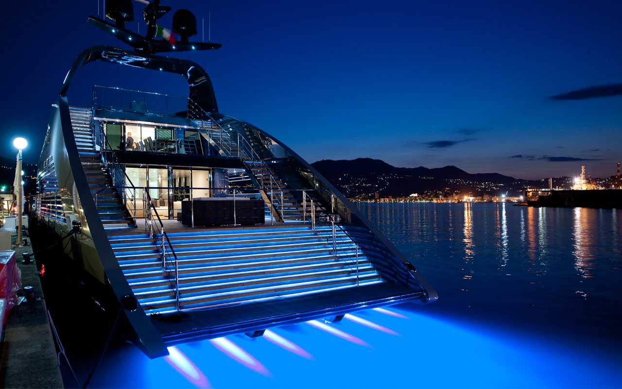 Морская прогулка: парусники и яхты от известных дизайнеров | галерея [4] фото [8]