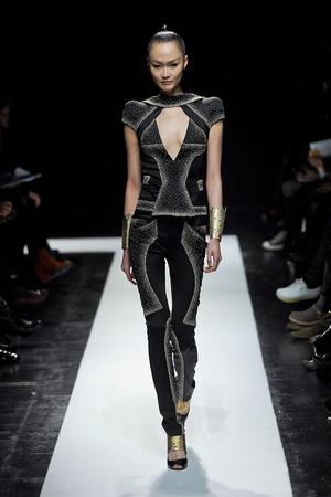 Показ Maxime Simoens коллекции сезона Весна-лето 2012 года Haute couture - www.elle.ru - Подиум - фото 333621