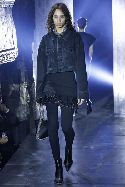 7 модных способов носить деним в этом сезоне (галерея 18, фото 1)