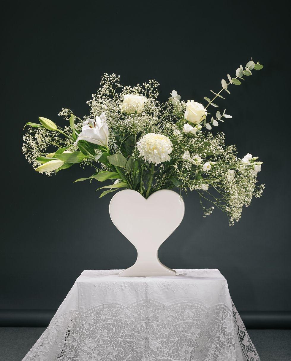 15 ваз в форме сердца: выставка в Мадриде (галерея 6, фото 5)