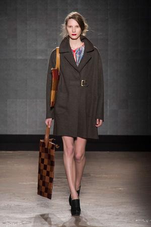 Показ New upcoming designers коллекции сезона Осень-зима 2014-2015 года prêt-à-porter - www.elle.ru - Подиум - фото 581361