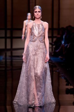 Показ Giorgio Armani Privé коллекции сезона Весна-лето 2014 года haute couture - www.elle.ru - Подиум - фото 574944