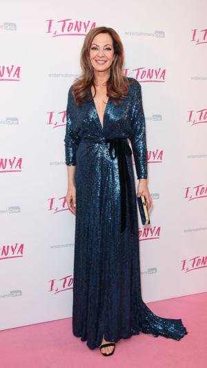 Марго Робби в платье Louis Vuitton на премьере в Лондоне (фото 2)