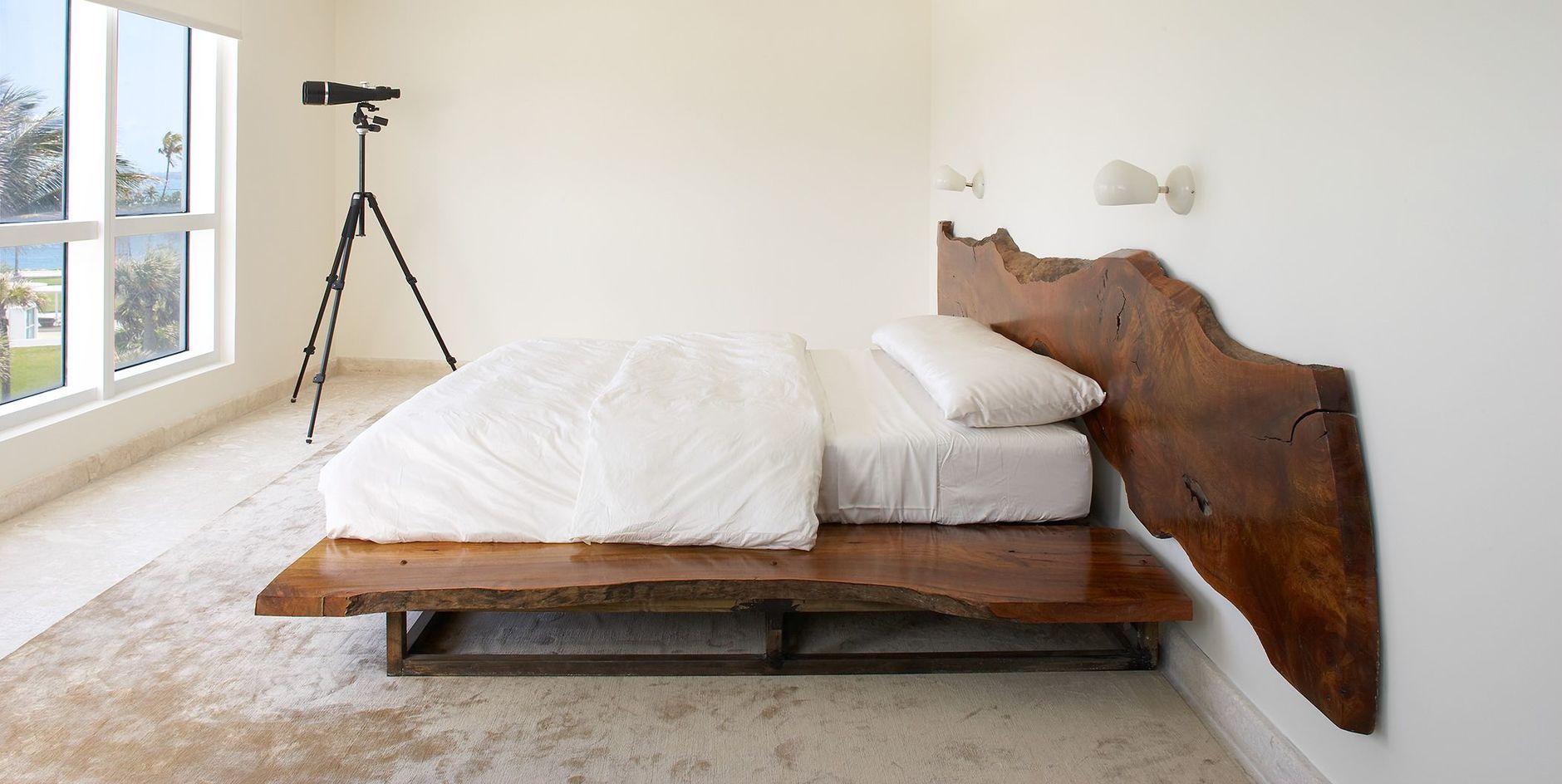 Низкая кровать: 30+ примеров для спальни (галерея 2, фото 1)