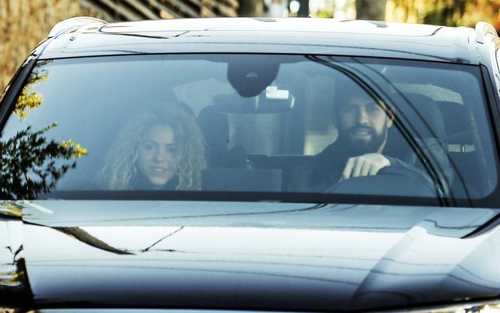 И все-таки вместе: первое появление Шакиры и Жерара Пике за долгое время (фото 1)