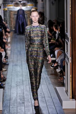 Показы мод Valentino Осень-зима 2012-2013 | Подиум на ELLE - Подиум - фото 1345