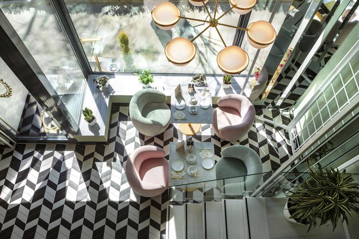 Кафе-кондитерская Ladurée в Тбилиси (фото 0)