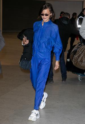Если и носить спортивный костюм, то только как Белла Хадид (фото 1.1)