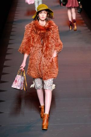 Показ Christian Dior коллекции сезона Осень-зима 2011-2012 года prêt-à-porter - www.elle.ru - Подиум - фото 252104