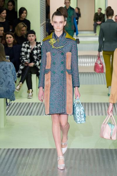 Показ Prada на Неделе моды в Милане | галерея [1] фото [33]