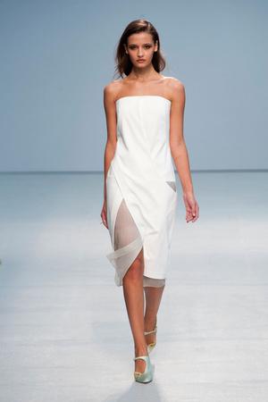 Показы мод Anne Valerie Hash Весна-лето 2013 | Подиум на ELLE - Подиум - фото 1032