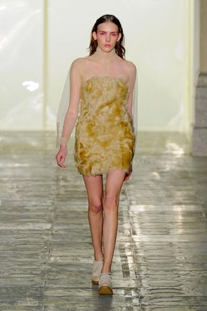 Показы мод Simone Rocha Осень-зима 2011-2012 | Подиум на ELLE - Подиум - фото 2264