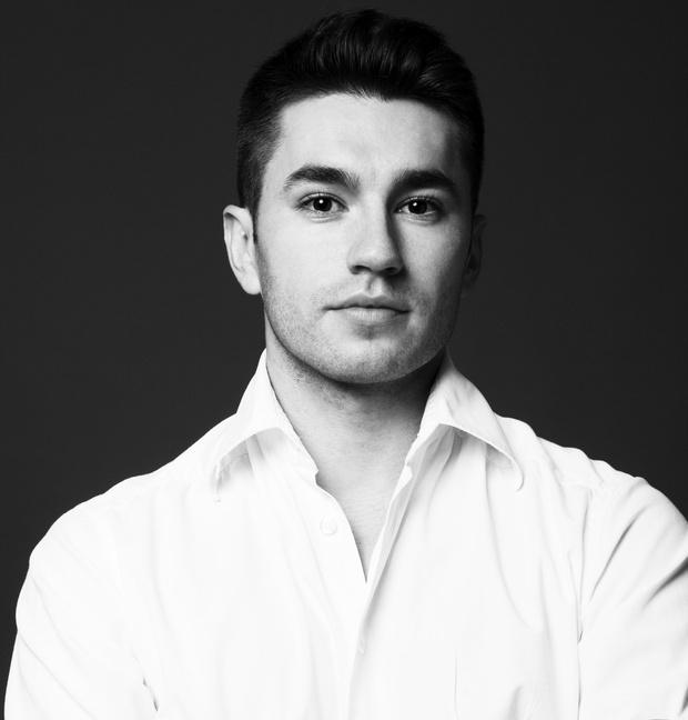 Эрнест Мунтаниоль, ведущий визажист Chanel в России и странах СНГ