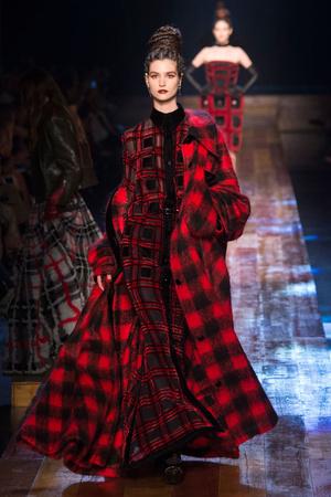 Осень-зима 2016-2017 | Модные показы | Подиум ELLE - Подиум - фото 4577