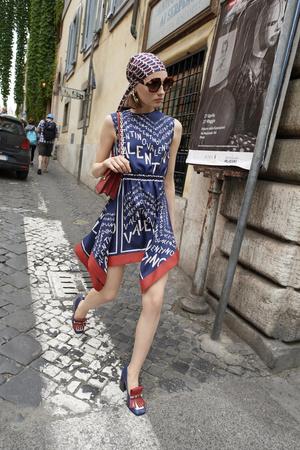 10 новых идей, с чем носить платье летом (фото 2.2)