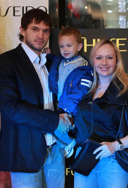 Мария Бутырская с сыном и мужем