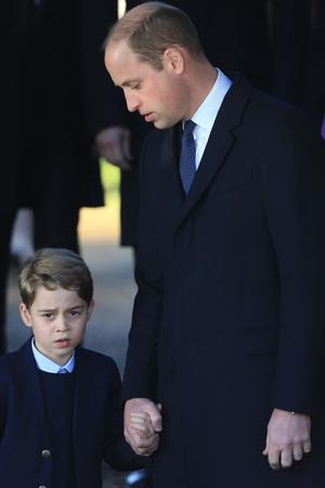 Почти все в сборе: британская королевская семья на рождественской службе (фото 5.2)
