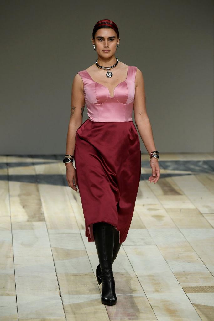Тело как искусство: лучшие выходы curvy-модели Джилл Кортлев на Неделях моды (фото 1)
