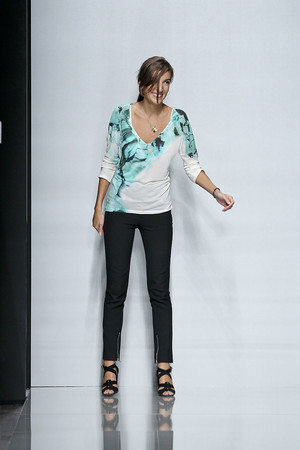 Показы мод Emanuel Ungaro Весна-лето 2012 | Подиум на ELLE - Подиум - фото 1791
