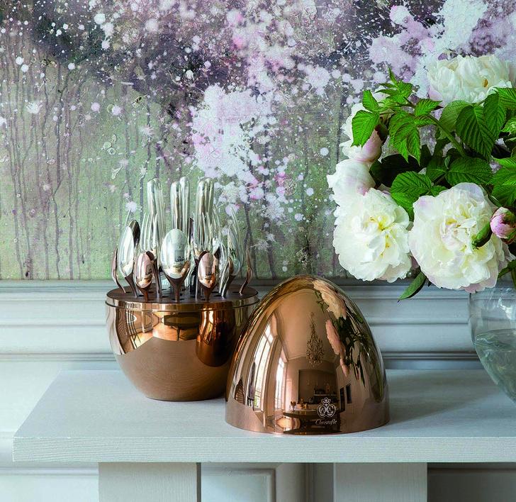 Комплект Christofle Mood Precious в розовом золоте как яркий акцент сервировки