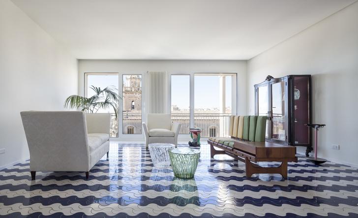 Белая квартира с винтажной плиткой на Сицилии (фото 2)