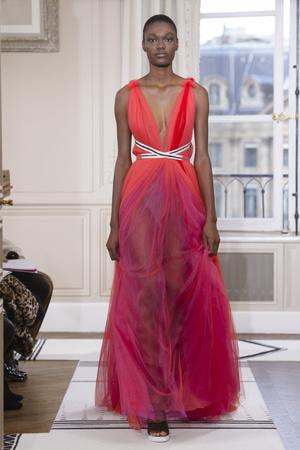 Показы мод Schiaparelli Весна-лето 2018 | Подиум на ELLE - Подиум - фото 5971