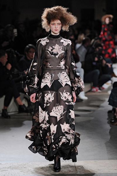 Неделя моды в Париже: показы Alexander McQueen и Paul & Joe ready-to-wear осень — зима 2015-2016 | галерея [1] фото [13]