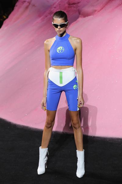 Как прошла первая неделя моды для 16-летней Кайи Гербер | галерея [1] фото [2]