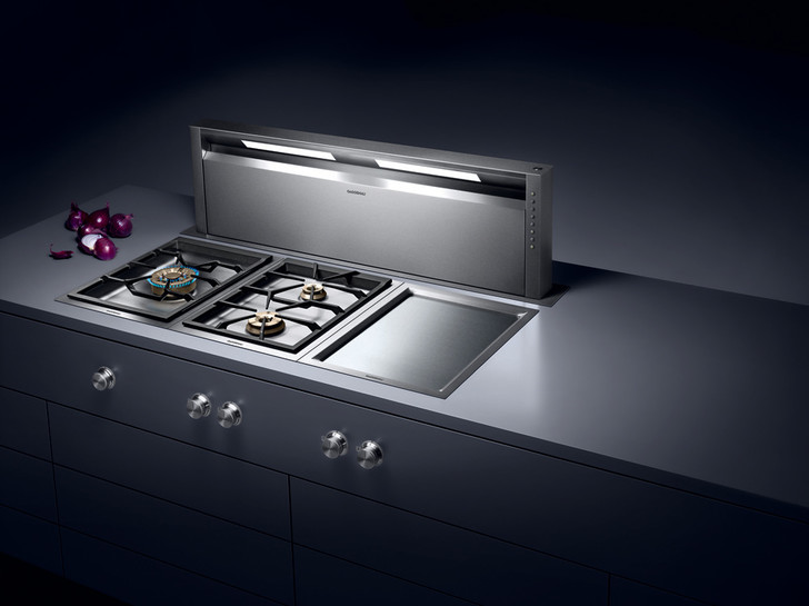 Решение для кухонного острова — утапливаемая система настольной вытяжки AL 400.
