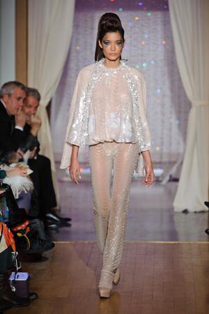 Показ Eric Tibusch коллекции сезона Весна-лето 2013 года Haute couture - www.elle.ru - Подиум - фото 478413