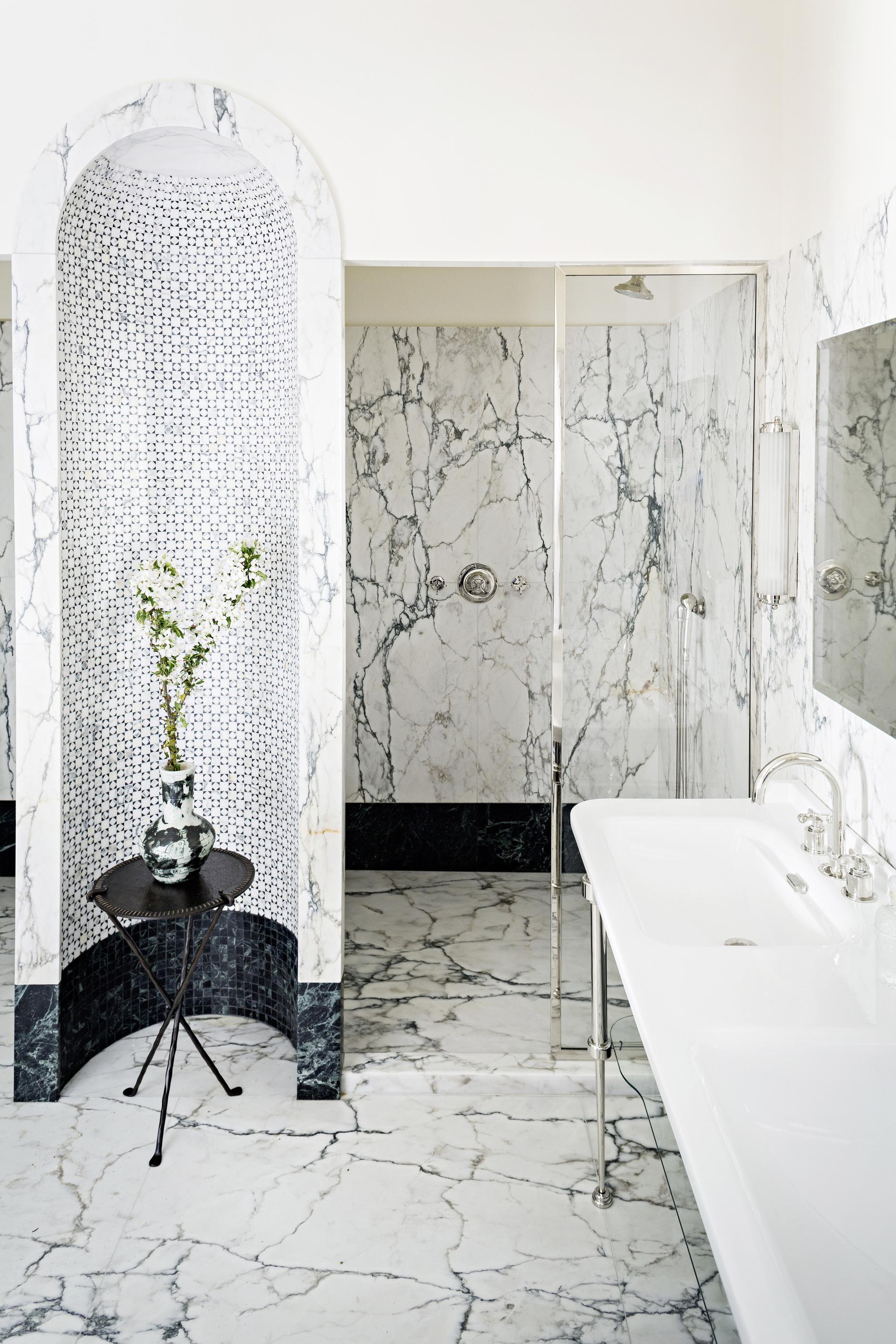 Мрамор в ванной комнате: 25 примеров (галерея 0, фото 0)