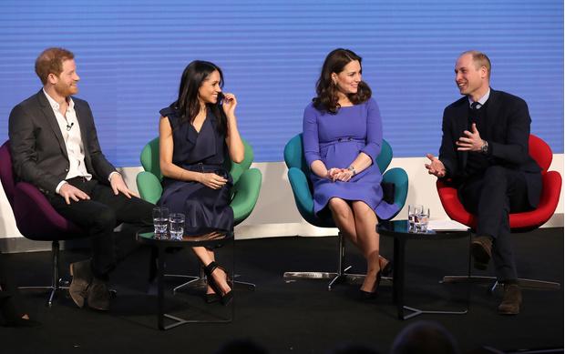Меган Маркл и Гарри, Кейт Миддлтон и Уильям снова появились вместе (фото 1)