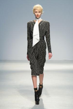 Показы мод Veronique Leroy Осень-зима 2013-2014 | Подиум на ELLE - Подиум - фото 621