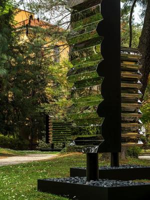 Инсталляция COS и Филиппа К. Смита III на Миланской неделе дизайна (фото 3.1)