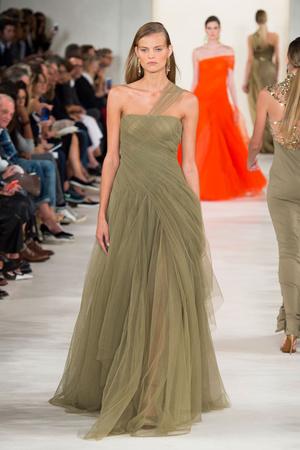 Показ Ralph Lauren коллекции сезона Весна-лето 2015 года prêt-à-porter - www.elle.ru - Подиум - фото 587158