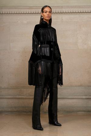 Показ Givenchy коллекции сезона Весна-лето  2017 года Haute couture - www.elle.ru - Подиум - фото 616599