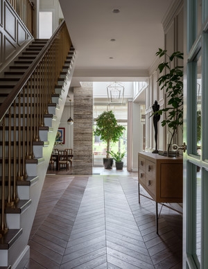 Яркий дом 500 м² по проекту Нади Зотовой (фото 2.1)