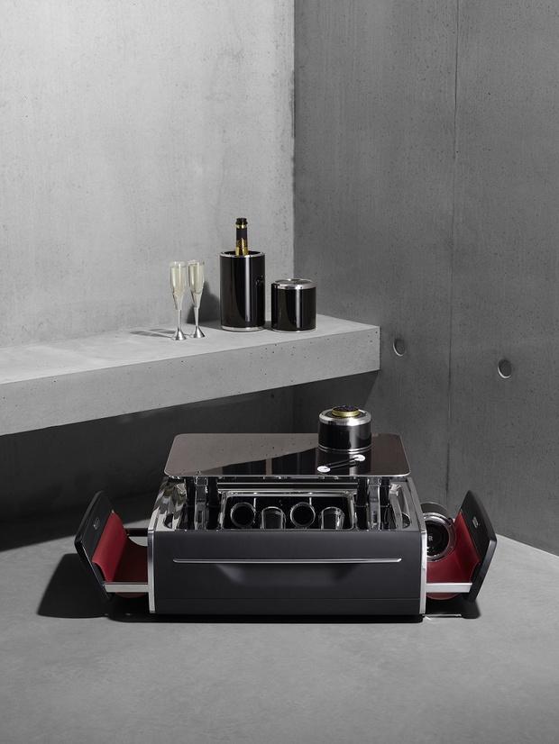 Крупным планом: набор для шампанского Rolls-Royce (фото 2)