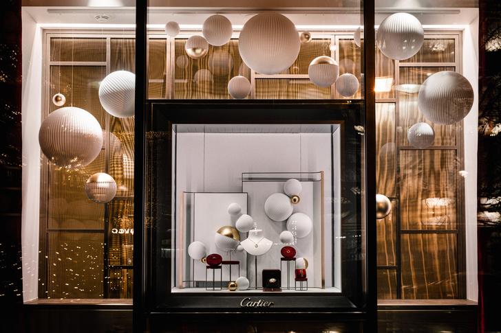 Рождественское оформление бутика Cartier на Петровке (фото 6)