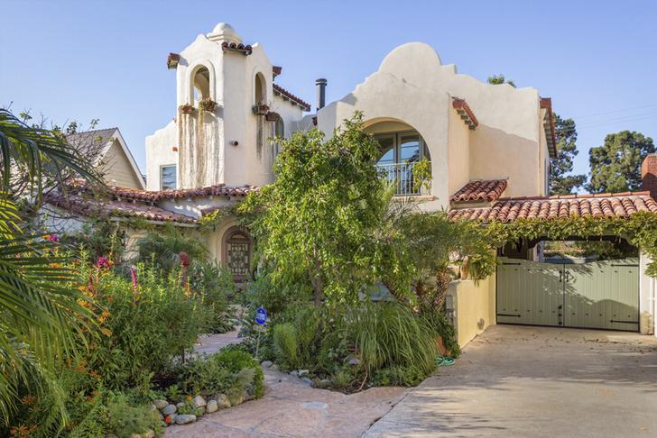 Звезда сериалов Элисон Ханниган продает свой особняк в Санта-Монике (фото 2)