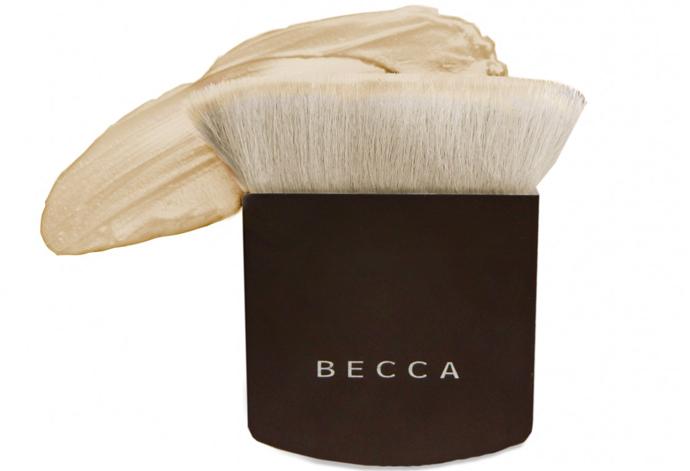 Универсальная кисть для макияжа Becca