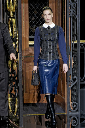 Показы мод Louis Vuitton Осень-зима 2011-2012 | Подиум на ELLE - Подиум - фото 2124