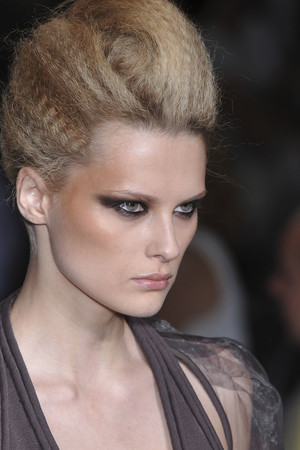 Показ Stephane Rolland коллекции сезона Осень-зима 2009-2010 года haute couture - www.elle.ru - Подиум - фото 88354