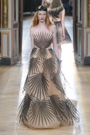 Показ Yanina Couture коллекции сезона Весна-лето 2018 года Haute couture - www.elle.ru - Подиум - фото 674341