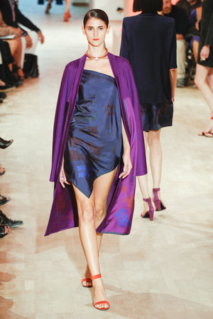 Показы мод Hermes Весна-лето 2012 | Подиум на ELLE - Подиум - фото 1796