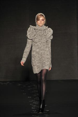 Показы мод Cushnie et Ochs Осень-зима 2010-2011 | Подиум на ELLE - Подиум - фото 2882